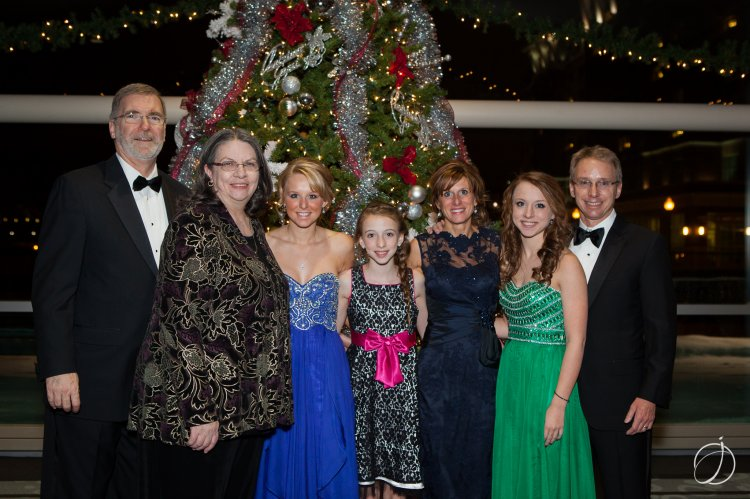 Joe & Rhonda Schember with the Hunter family