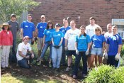 Erie Insurance Volunteers Help Out at BNI Gardens